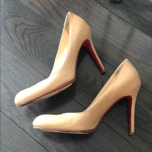 Christian Louboutin nude simple pumps heels shoes